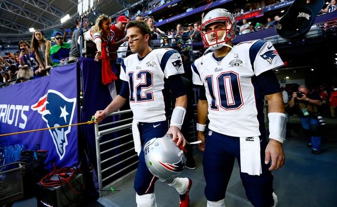 Suspenso, Tom Brady terá que dar lugar a Jimmy Garoppolo nas quatro primeiras rodadas (Foto: Getty Images)