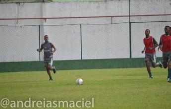 """Leandro desabafa por jogos seguidos, mas afirma: """"Não adianta lamentar"""""""