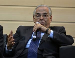 Eurico Miranda, presidente do Vasco, no encontro pela paz no futebol