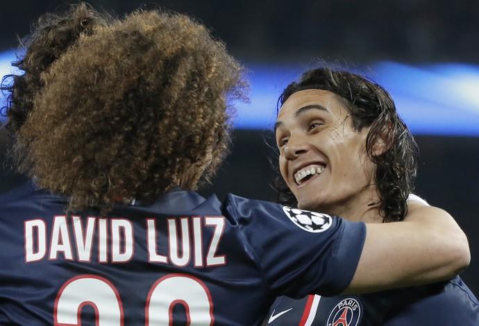 Cavani e David Luiz PSG x Ajax (Foto: AP)