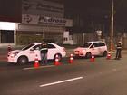 Blitz apreende 11 veículos que faziam transporte clandestino em Manaus