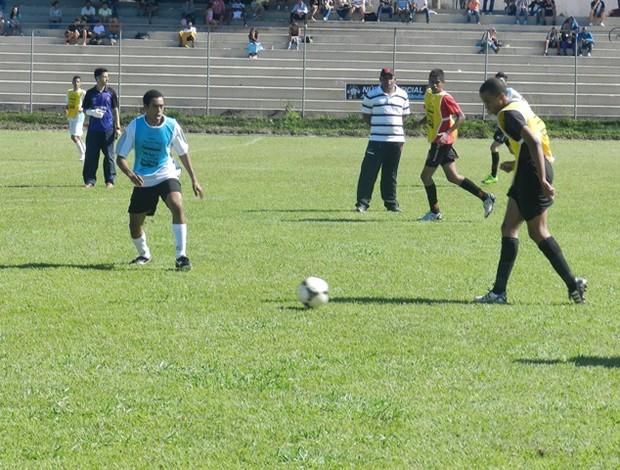 Peneirada Vasco Uberlândia - Peneira foi feita em um clube de Uberlândia e contou com mais de 200 garotos, de 9 a 19 anos (Foto: Diego Alves)