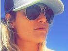 Natalia Casassola economiza no tamanho do biquíni e fãs babam
