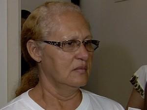 Avó de Bruna Gleycielle de Sousa, vítima de serial killer em Goiânia, Goiás (Foto: Reprodução/ TV Anhanguera)