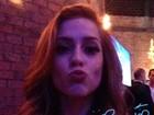 Carão Alto Astral! Celebridades se divertem com selfies temáticas em evento