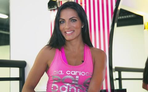 Carla Prata revela que aulas de pole dance a tornaram uma mulher inesquecível