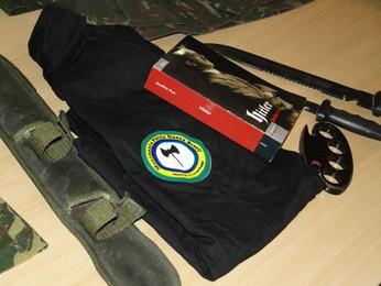 Materiais apreendidos na casa de dois suspeitos (Foto: Sara Antunes / G1 MG)