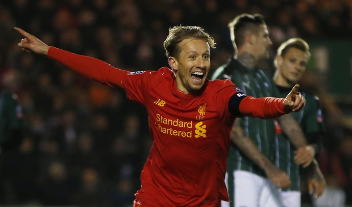 Lucas Leiva, Plymouth x Liverpool (Foto: Reuters / Paul Childs)