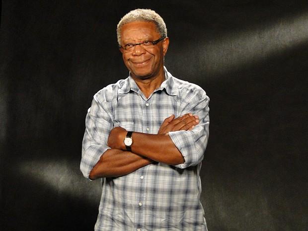 Milton Gonçalves foi criado em São Paulo, onde se apaixonou por cinema (Foto: Lado a Lado / TV Globo)