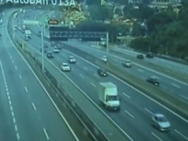 Motoristas começam a voltar para casa após feriado de Natal (Foto: Reprodução/TV TEM)