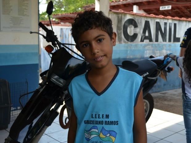 Rikelme Rocha sonha em ser policial militar em Rondônia (Foto: Magda Oliveira/G1)