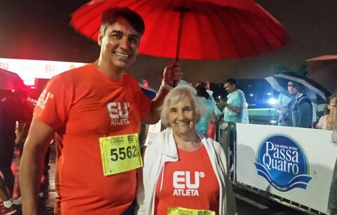 EuAtleta - corrida Brasíla senhora e filho (Foto: Renata Domingues)