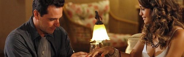 Théo (Rodrigo Lombardi) e Morena (Nanda Costa) em 'Salve Jorge' (Foto: Divulgação/TV Globo)