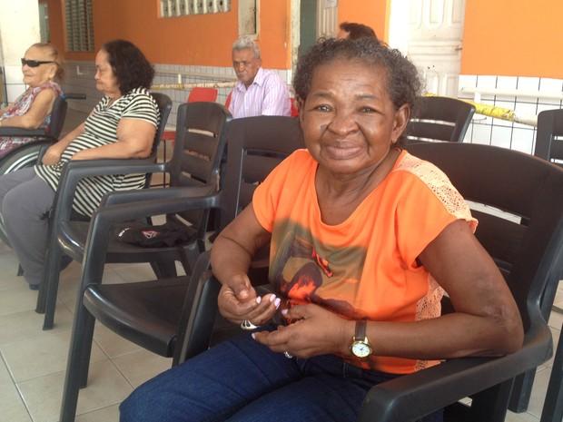 Graziliana Trindade, idosa moradora do abrigo São José (Foto: Fabiana Figueiredo/G1)