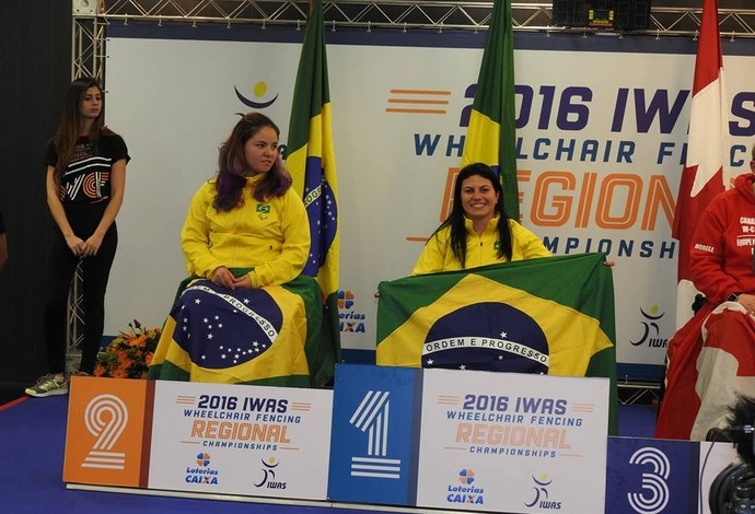 esgrima Mônica Santos  (Foto: Reprodução Facebook)