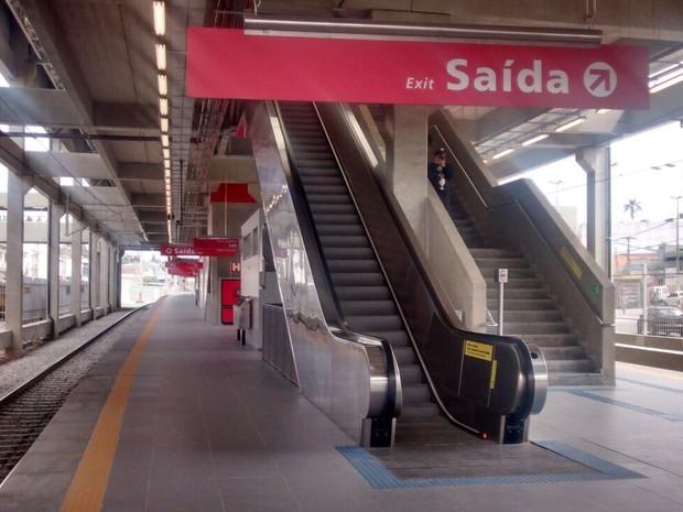 Plataforma da estação de Ferraz (Foto: Maiara Barbosa/G1)