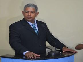 Jorge Eduardo enfrenta valhas e diz que terá autonomia na administração do município (Foto: Tássio Andrade/G1)
