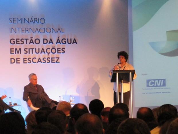 Ministra do Meio Ambiente, Izabella Teixeira, participou do seminário internacional Gestão da Água em Situações de Escassez em são Paulo  (Foto: Eduardo Carvalho/G1)