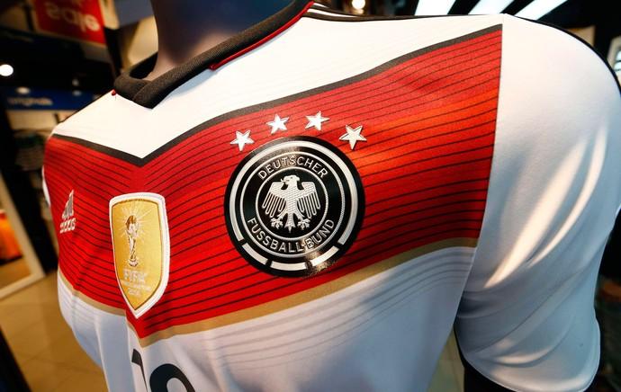 loja camisas comemorativas Alemanha campeão mundial 2014 Gotze (Foto: Agência Reuters)