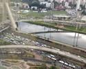Pérez se surpreende com trânsito, e Razia brinca: 'Bem-vindo a São Paulo'