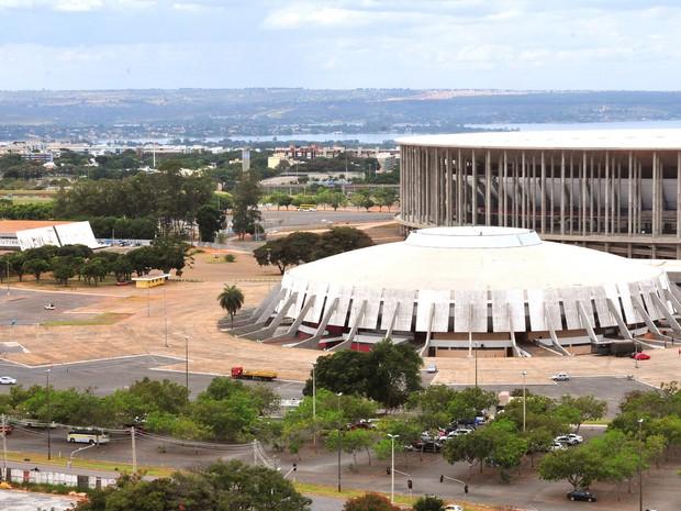 Ginásio Nilson Nelson com o Estádio Nacional Mané Garrincha ao fundo (Foto: Tony Winston/Agência Brasília)