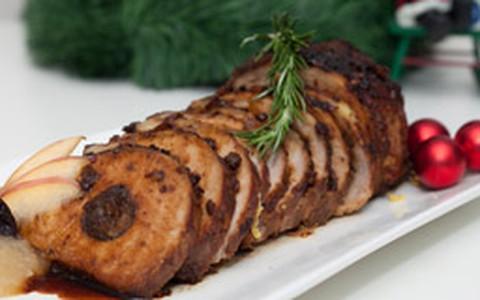 Lombinho de porco recheado com ameixas