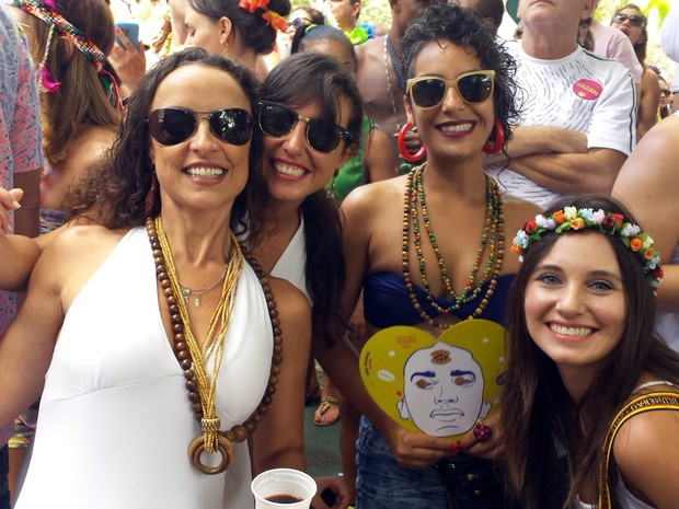 Musas do bloco Baianas Ozadas (Foto: Thaís Pimentel/G1)