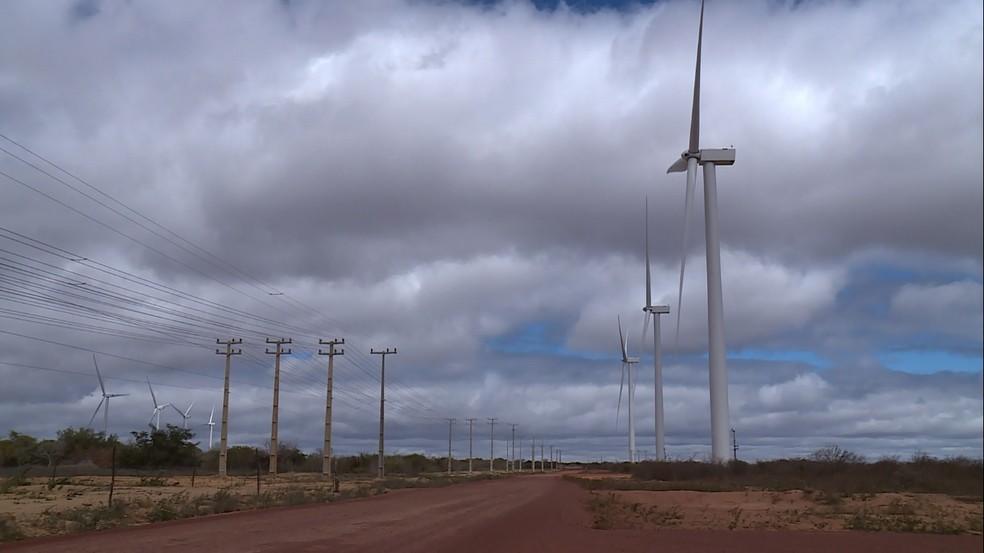 O vento forte do Sertão do Araripe está sendo usando como fonte de energia (Foto: Reprodução / TV Grande Rio )