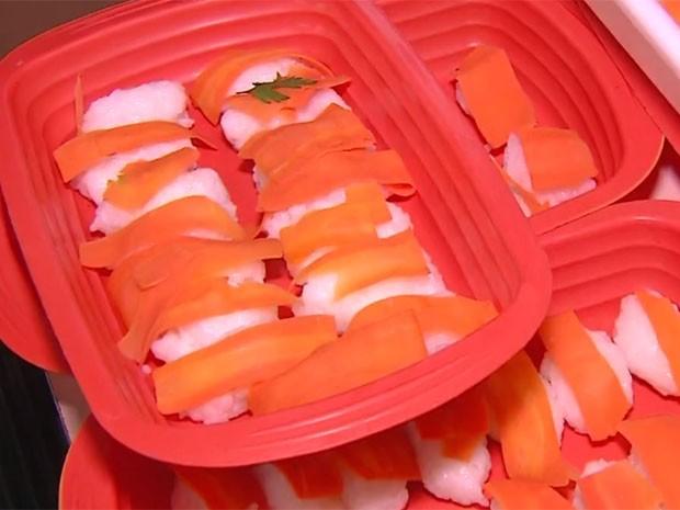 Sushi feito com cenoura chamava atenção no ato (Foto: RBS TV/ Reprodução)