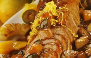 Lombo de porco assado e caramelado ao molho de frutas