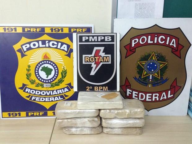 Operação apreendeu seis quilos de crack e um quilo de cocaína (Foto: Divulgação/Tenente coronel Souza Neto)