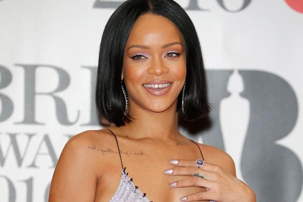 Rihanna se iguala a marco histórico dos Beatles em parada da Billboard