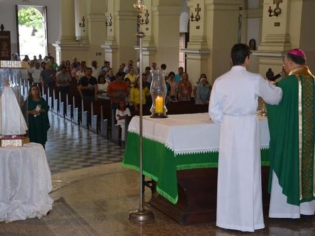 Celebração aconteceu na Catedral Basílica de Nossa Senhora das Neves, no Centro de João Pessoa, neste domingo (10)  (Foto: Eisenhower Almeida/Arquidiocese da Paraíba/Divulgação)