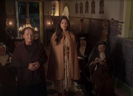 Maria Vitória cai na armadilha de Delfina e será levada à força para o convento