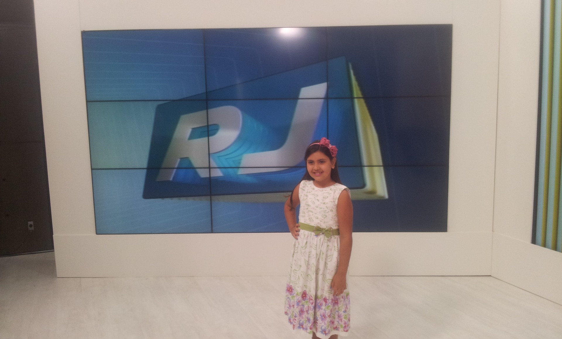 Ana Clara Vaz visitou a Inter TV RJ (Foto: Laís Vargas/G1)