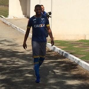 Edimar, novo lateral esquerdo do Cruzeiro (Foto: Marco Antônio Astoni)