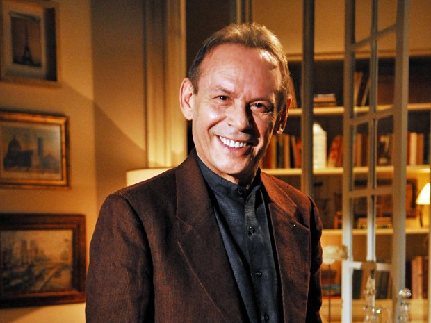 José Wilker considera as frases de Jesuíno engraçadas (Foto: Gabriela/TV Globo)
