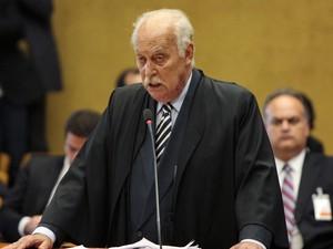 Advogado de defesa de Rogério Lanza Tolentino no julgamento da Ação Penal (AP) 470 (Foto: Carlos Humberto/SCO/STF)