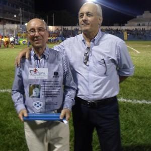 José Maria Melo e o diretor da Inter TV Grande Minas Fábio Braidatto (Foto: Divulgação)