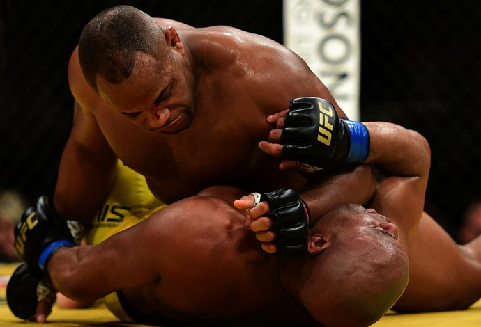 Anderson Silva e Cormier (Foto: Getty Images)