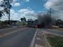 Moradores fecham trecho da BR-101 após morte de motociclista, no ES
