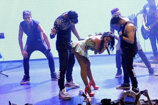 Anitta faz show no Rio (Foto: Marcos Ferreira /Ag.Brazil News)