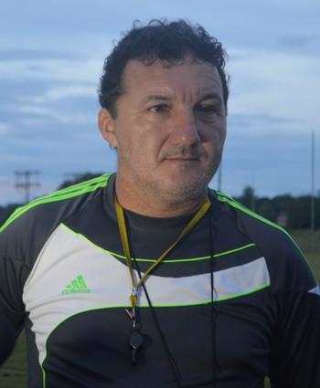 Zacarias Lopes, presidente e técnico do Náuas (Foto: Tácita Muniz/G1)