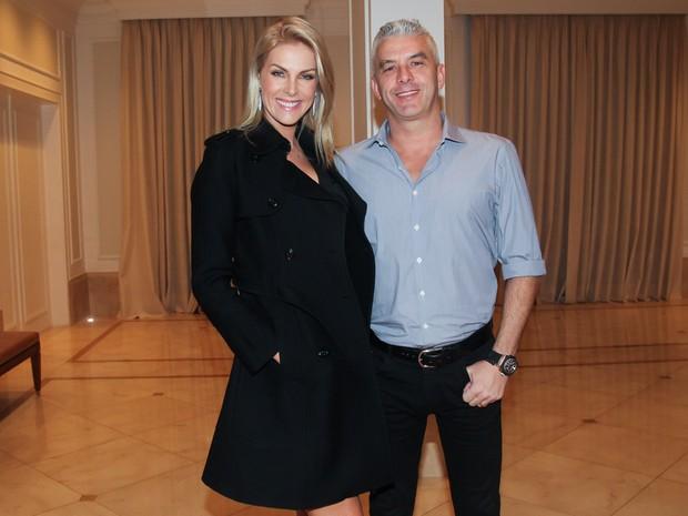 Ana Hickmann e o marido, Alexandre Côrrea, em festa em São Paulo (Foto: Manuela Scarpa/ Brazil News)
