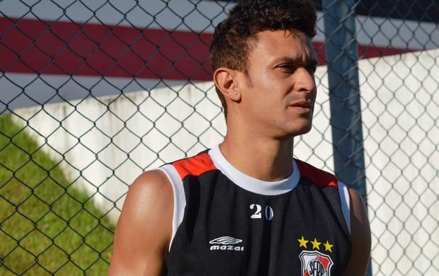 Bira ainda não estreou pelo River em 2013 (Foto: Felipe Martins/GLOBOESPORTE.COM)
