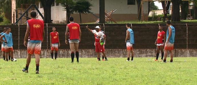 Alexandre Ferreira Batatais treino (Foto: Reprodução EPTV)