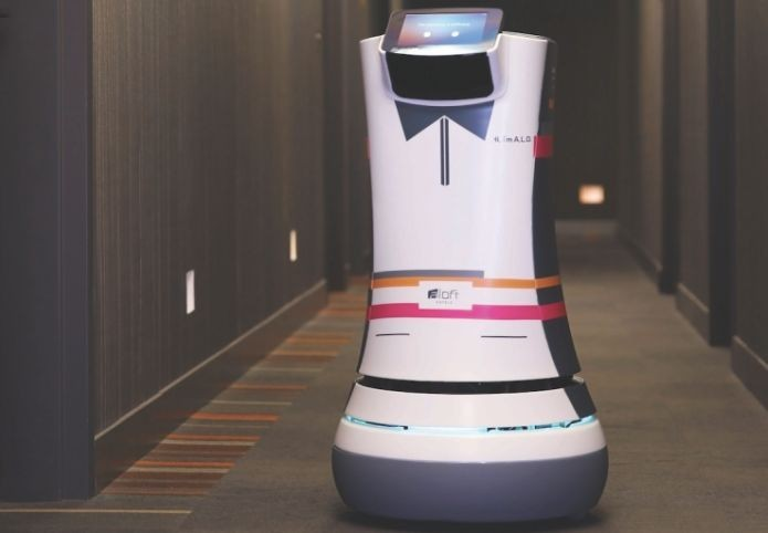 Mordomo robô é capaz de carregar toalhas e tem sistemas avançados (Foto: Divulgação/Starwood)