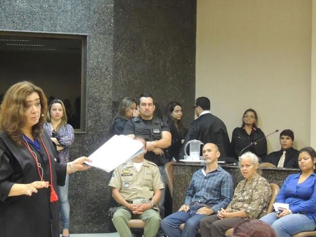 Segundo dia do júri começou com explanação da promotora Eliane Gaia  (Foto: Katherine Coutinho/G1)