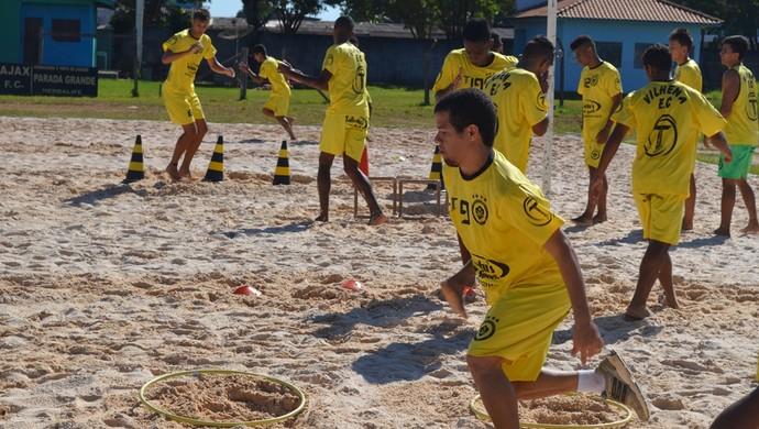 Edilsinho treina com elenco sub-20 do Vilhena (Foto: Jonatas Boni)