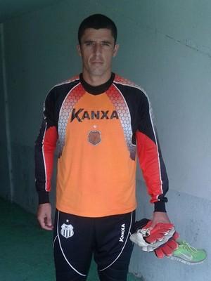 goleiro rodrigo carvalho central (Foto: Adrinaldo Barbosa / Central Sport Club)